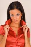 beau rouge de verticale de fille de chemisier Photographie stock