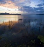Beau scénique du temps sombre de réservoir de Bangpra dans des eas de chonburi photographie stock libre de droits