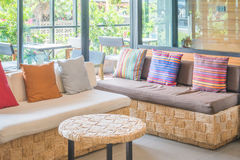 Beau sofa en bois Photo libre de droits