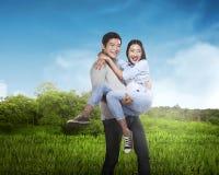 Beau sourire asiatique de couples Images stock