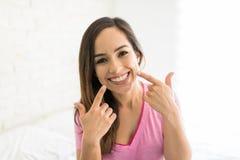 Beau sourire de dents saines photos libres de droits