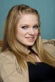 Beau sourire de jeune femme Images libres de droits