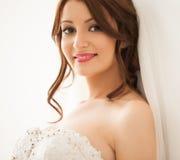 Beau sourire de jeune mariée Photos libres de droits