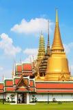 Beau temple d'or de pagoda en Thaïlande Photos libres de droits