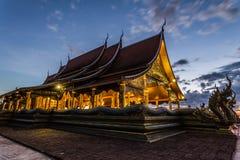 Beau temple en Thaïlande Photos stock
