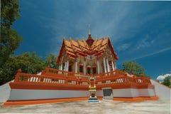 Beau temple et ciel bleu Images libres de droits