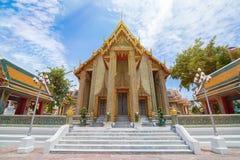 Beau temple thaïlandais Wat Rachabophit Photos libres de droits