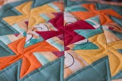 Beau tir d'oreiller créé par technique de patchwork Oreiller de ma grand-maman Photographie stock