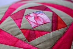 Beau tir d'oreiller créé par technique de patchwork Oreiller de ma grand-maman Photo stock