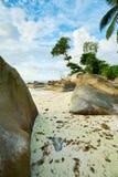 Beau Vallon Bay con el granit oscila - vare en la isla Mahe en Seyc imagenes de archivo