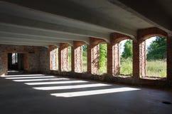 Beau vieux bâtiment vide abandonné d'usine Photographie stock