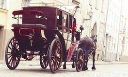 Beau vieux divan dans la vieille ville Voyageant, romance, concep d'amour Images stock