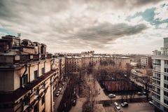 Beau vieux St Petersburg pendant le coucher du soleil à la soirée en Russie images stock