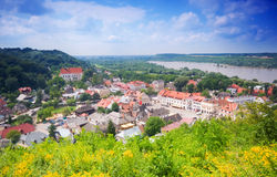 Beau village dans la vallée. Image libre de droits