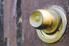 Beau vintage et vieux, rustique regard de porte, peinture brune criquée photographie stock