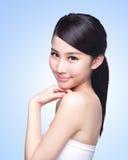 Beau visage de femme de soins de la peau Photos stock