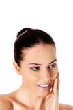 Beau visage de jeune femme avec la peau fraîche propre Photo stock