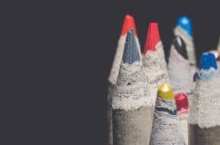 Beaucoup crayons de coloration avec le rétro regard mat Image stock