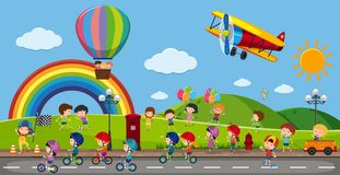 Beaucoup d'enfants jouant en parc illustration stock
