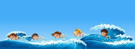 Beaucoup d'enfants nageant dans l'océan illustration libre de droits
