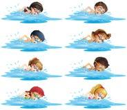 Beaucoup d'enfants nageant dans la piscine illustration libre de droits