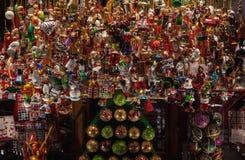 Beaucoup d'ornements de Noël Photographie stock