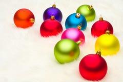 Beaucoup de babioles de Noël Images stock