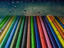 Beaucoup de baisses pleuvoir sur le pastel admirablement tellement photos stock