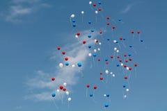Beaucoup de ballons dans le ciel image libre de droits