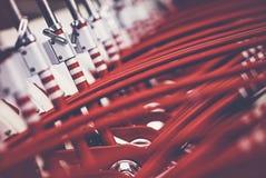 Beaucoup de bicyclettes de rouge images libres de droits