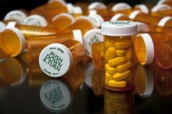 Beaucoup de bouteilles de prescription Photos stock