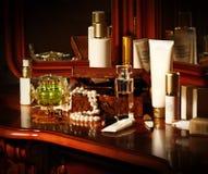 Beaucoup de bouteilles de produits de beauté Photo stock