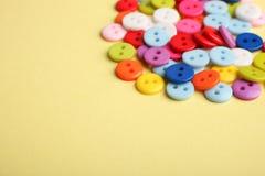 Beaucoup de boutons multicolores Photographie stock
