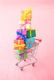 Beaucoup de cadres de cadeau colorés Image stock