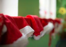 Beaucoup de chapeaux de Noël Photographie stock