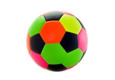 Beaucoup de couleurs pour que les enfants jouent au football sur un fond blanc Photos stock