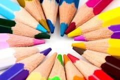 Beaucoup de différents crayons colorés Image libre de droits