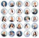 Beaucoup de différents gens d'affaires parlant au téléphone Images libres de droits