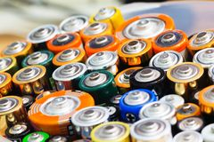 Beaucoup de diverses batteries Photographie stock