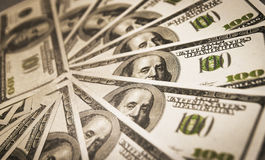 Beaucoup de dollars US d'argent liquide formés en cercle Image libre de droits