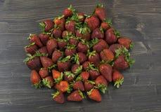 Beaucoup de fraises fraîches Photos stock