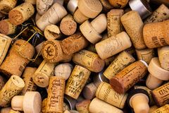Beaucoup de lièges de vin photo stock