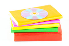 Beaucoup de livres avec le disque compact Photo stock