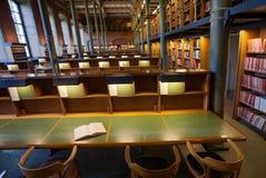 Beaucoup de livres de la vieille collection à l'intérieur de la Bibliothèque nationale de la Suède Image libre de droits