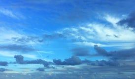 Beaucoup de nuages Photographie stock