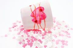 Beaucoup de petits coeurs dans le rose et le blanc Photo libre de droits
