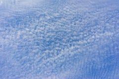 Beaucoup de petits nuages Photo stock