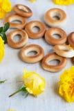 Beaucoup de petits pains et de fleurs Photographie stock libre de droits