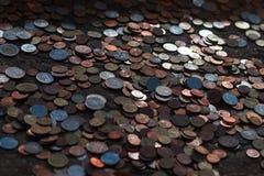 Beaucoup de pièces de monnaie thaïlandaises Images libres de droits