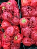 Beaucoup de poivrons rouges Image libre de droits